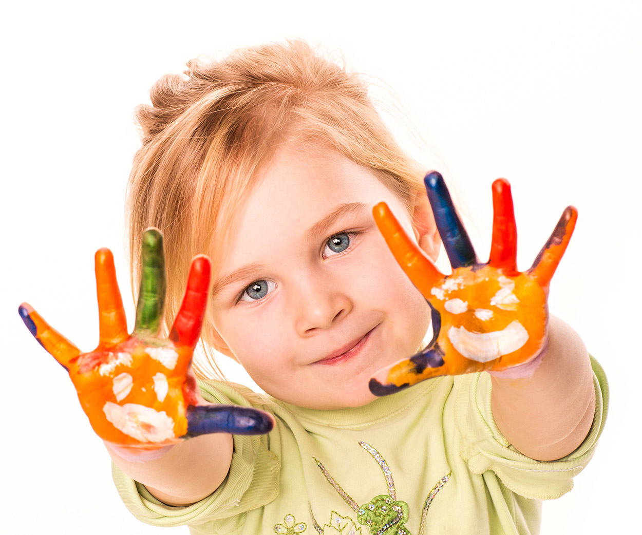 Kid showing 10 fingers